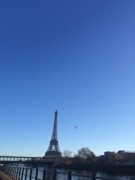 blue sky on my way to Gare de Lyon